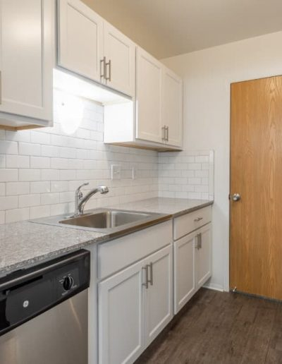 west-oaks-apartments-for-rent-in-southfield-mi-gallery-3